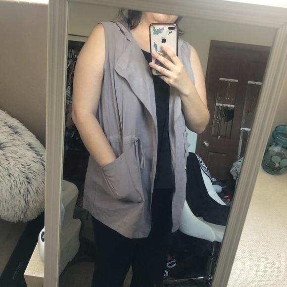 Francesca's Collections Sweaters - Francesca's Vest